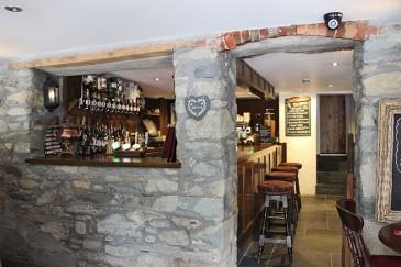 trout-n-tipple-pub-bar