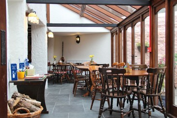 trout-n-tipple-restaurant-tavistock-conservatory