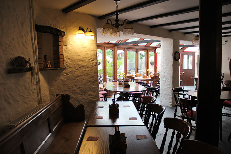 trout-n-tipple-restaurant-tavistock-corner