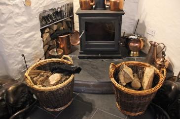 trout-n-tipple-restaurant-tavistock-woodburner