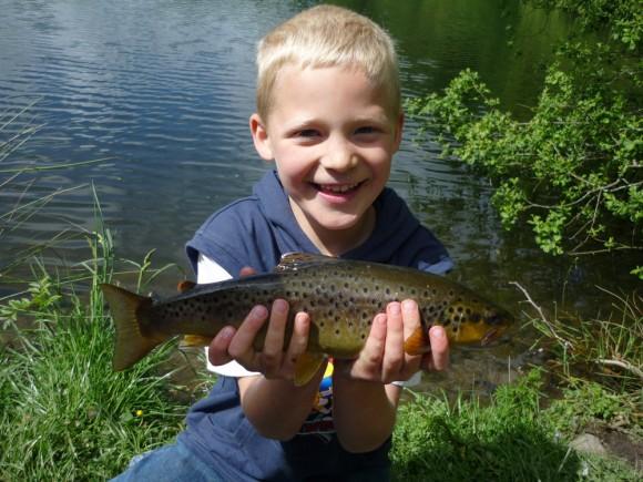 children-fishing-party-tavistock-devon